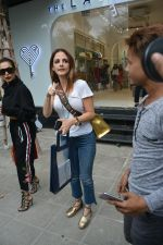 Malaika Arora & Sussane Khan Spotted At Bandra on 31st July 2018 (1)_5b615e79402a6.JPG