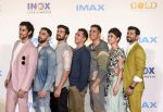 Akshay Kumar, Mouni Roy, Kunal Kapoor, Amit Sadh, Vineet Kumar Singh, Sunny Kaushal, Ritesh Sidhwani at Imax trailer and poster launch of upcoming film Gold on 1st Aug 2018 (42)_5b62aaa229398.jpg