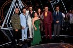 Anil Kapoor, Aishwarya Rai Bachchan, Rajkummar Rao, Manish Paul, Anu Malik, Neha Kakkar at the promotions of film Fanney Khan On The Sets Of Indian Idol in Yashraj Studio, Andheri on 1st Aug 2018 (167)_5b62b323908e4.JPG