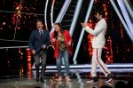 Anil Kapoor, Manish Paul at the promotions of film Fanney Khan On The Sets Of Indian Idol in Yashraj Studio, Andheri on 1st Aug 2018 (113)_5b62b325eb4d0.JPG
