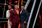 Anil Kapoor, Manish Paul at the promotions of film Fanney Khan On The Sets Of Indian Idol in Yashraj Studio, Andheri on 1st Aug 2018 (128)_5b62b2b29e0fc.JPG
