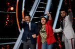 Anil Kapoor, Manish Paul at the promotions of film Fanney Khan On The Sets Of Indian Idol in Yashraj Studio, Andheri on 1st Aug 2018 (129)_5b62b33c959b9.JPG