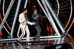 Anil Kapoor, Manish Paul at the promotions of film Fanney Khan On The Sets Of Indian Idol in Yashraj Studio, Andheri on 1st Aug 2018 (131)_5b62b3318c953.JPG