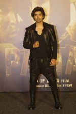 Gurmeet Choudhary at the Trailer launch Of Film Paltan on 2nd Aug 2018 (58)_5b631f410f848.JPG