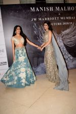 Janhvi Kapoor, Khushi Kapoor at Red Carpet for Manish Malhotra new collection Haute Couture on 1st Aug 2018 (75)_5b62baab81f83.JPG