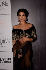 Kim Sharma at Red Carpet for Manish Malhotra new collection Haute Couture on 1st Aug 2018 (41)_5b62bbdce3684.JPG
