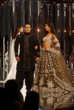 Salman Khan, Katrina Kaif at Red Carpet for Manish Malhotra new collection Haute Couture on 1st Aug 2018 (106)_5b62bb050d9ee.JPG