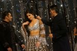 Salman Khan, Katrina Kaif at Red Carpet for Manish Malhotra new collection Haute Couture on 1st Aug 2018 (131)_5b62bb230ad2b.JPG