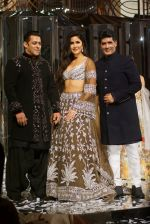Salman Khan, Katrina Kaif at Red Carpet for Manish Malhotra new collection Haute Couture on 1st Aug 2018 (139)_5b62bb2d21a6e.JPG