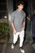 Ishaan Khattar spotted at Pali Village cafe in bandra on 5th Aug 2018 (1)_5b67da0d545bb.JPG