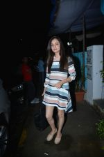 Dia Mirza Spotted At Bblunt Khar on 7th Aug 2018 (6)_5b6a90c2311d4.JPG