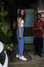 Rakul preet Singh Spotted At Versova on 7th Aug 2018 (1)_5b6a91366a1ce.JPG