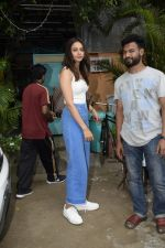 Rakul preet Singh Spotted At Versova on 7th Aug 2018 (2)_5b6a9138b124f.JPG