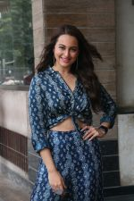 Sonakshi Sinha for the media interactions of film Happy Phirr Bhag Jayegi on 7th Aug 2018 (21)_5b6a98e0bb3d0.JPG