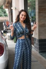 Sonakshi Sinha for the media interactions of film Happy Phirr Bhag Jayegi on 7th Aug 2018 (25)_5b6a98bfe98f4.JPG