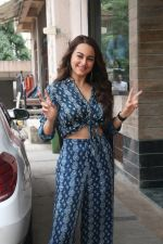 Sonakshi Sinha for the media interactions of film Happy Phirr Bhag Jayegi on 7th Aug 2018 (26)_5b6a98c6135c7.JPG