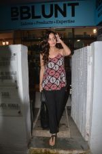 Dia Mirza Spotted At Bblunt Bandra on 9th Aug 2018 (3)_5b6d3cb645670.JPG