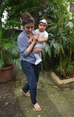 Soha Ali Khan With Daughter Inaaya At Bandra on 9th Aug 2018