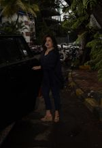 Farah Khan Spotted At Kromakay Salon In Juhu on 12th Aug 2018 (1)_5b713c642c7aa.jpeg