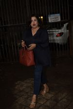 Farah Khan Spotted At Kromakay Salon In Juhu on 12th Aug 2018 (3)_5b713c726b051.jpg