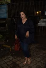 Farah Khan Spotted At Kromakay Salon In Juhu on 12th Aug 2018 (5)_5b713c7a1e079.jpeg