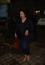 Farah Khan Spotted At Kromakay Salon In Juhu on 12th Aug 2018 (5)_5b713c7cae86b.jpg