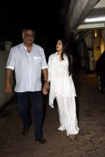 Janhvi Kapoor, Boney Kapoor spotted at Arjun Kapoor_s house in juhu on 11th Aug 2018 (5)_5b712cb260e53.jpg