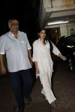 Janhvi Kapoor, Boney Kapoor spotted at Arjun Kapoor_s house in juhu on 11th Aug 2018 (8)_5b712cb483873.jpg