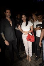 Sunny Leone, Daniel Webber Spotted At B Lounge In Juhu on 11th Aug 2018 (7)_5b712da9de30c.JPG