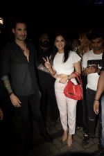 Sunny Leone, Daniel Webber Spotted At B Lounge In Juhu on 11th Aug 2018 (8)_5b712dac42126.JPG