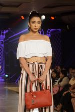 at the launch of Caprese bags new collection in Mumbai on Aug 13, 2018 (339)_5b727e801eac5.JPG