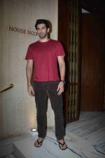 Aditya Roy Kapoor at Manish Malhotra_s party in his bandra home on 14th Aug 2018 (81)_5b75200866717.JPG