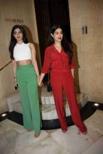 Janhvi Kapoor, Khushi Kapoor at Manish Malhotra_s party in his bandra home on 14th Aug 2018 (27)_5b7520ecab2f2.JPG