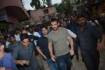John Abraham visits the Gaiety theatre in bandra to check the audience response to his film Satyamev Jayate on 15th Aug 2018 (5)_5b752a73e3a68.JPG