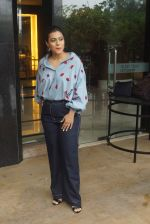Kajol Spotted At Intreview Of Helicopter Eela on 16th Oct 2018 (17)_5b758784696ab.JPG