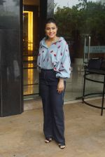 Kajol Spotted At Intreview Of Helicopter Eela on 16th Oct 2018 (19)_5b75878aea517.JPG