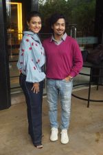 Kajol, Riddhi Sen Spotted At Intreview Of Helicopter Eela on 16th Oct 2018 (18)_5b75879fd7e48.JPG