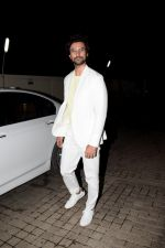 Kunal Kapoor at the Screening of Gold in pvr juhu on 14th Aug 2018 (62)_5b75271943ce4.JPG