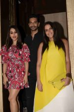 Neha Dhupia, Angad Bedi, Sophie Choudry at Manish Malhotra_s party in his bandra home on 14th Aug 2018 (60)_5b752038dc4b8.JPG