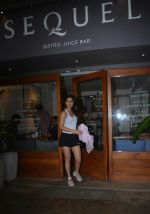 Fatima Sana Shaikh Spotted at Sequel Bistro at Bandra on 19th Aug 2018 (2)_5b7a748bcfe7c.jpg