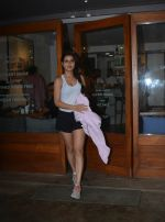 Fatima Sana Shaikh Spotted at Sequel Bistro at Bandra on 19th Aug 2018 (3)_5b7a749016036.jpg