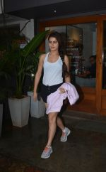 Fatima Sana Shaikh Spotted at Sequel Bistro at Bandra on 19th Aug 2018 (9)_5b7a74abdb8bc.jpg