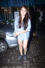 Radhika Madan spotted at Bblunt in Khar on 16th Aug 2018 (1)_5b7a6200b2d0b.JPG