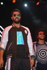 Vicky Kaushal at Manmarziyaan Music Concert in NM College In Juhu on 19th Aug 2018 (11)_5b7a74d1cdf3c.jpg