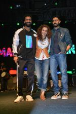 Vicky Kaushal, Taapsee Pannu, Abhishek Bachchan at Manmarziyaan Music Concert in NM College In Juhu on 19th Aug 2018 (12)_5b7a74f1825a9.jpg