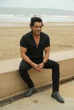 Bobby Deol at the promotion of film Yamla Pagla Deewana Phir Se in Sun n Sand juhu on 20th Aug 2018 (29)_5b7bba2952d93.JPG