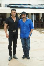Sunny Deol, Bobby Deol at the promotion of film Yamla Pagla Deewana Phir Se in Sun n Sand juhu on 20th Aug 2018 (31)_5b7bba5b183ea.JPG