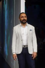 Rahul Bose at PLANETPOSITIVE TENCEL by RAJESH PRATAP SINGH at Lakme Fashion Week on 23rd Aug 2018 (5)_5b816fea85712.JPG