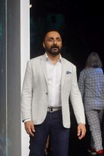 Rahul Bose at PLANETPOSITIVE TENCEL by RAJESH PRATAP SINGH at Lakme Fashion Week on 23rd Aug 2018 (7)_5b816ff011ffe.JPG