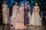 Aditi Rao Hydari walk the ramp for Jayanti Reddy at Lakme Fashion Week on 26th Aug 2018 (65)_5b83d65475f39.jpg